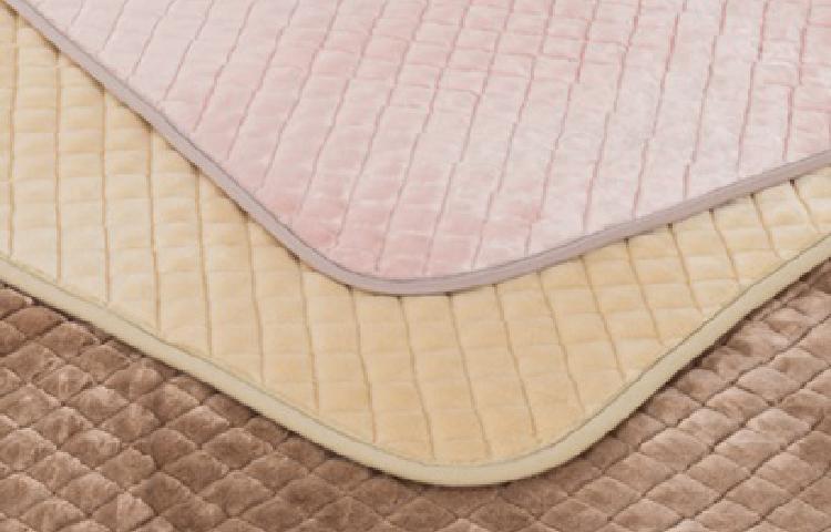 セラミック混綿入り敷きパッドのイメージ